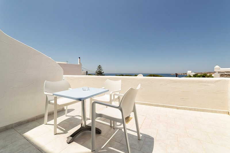Stratos Standard Studio with Sea View for 1-3 persons, vacation rental in Parikia