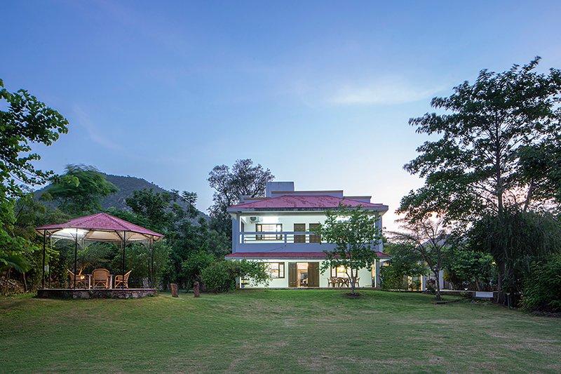 Salvador B by Vista Rooms, vacation rental in Nagoa