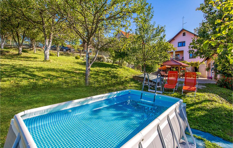 Nice home in Skrad with WiFi and 2 Bedrooms (CKB215), location de vacances à Donji Vuksici