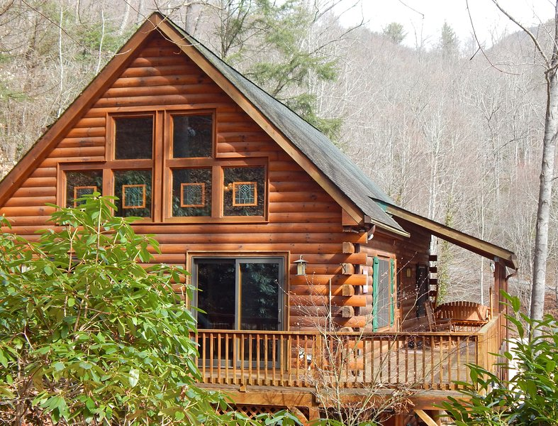 New Listing ! Two Master Suites- Hot Tub- Discounts on ski!  Centrally located, vacation rental in Maggie Valley