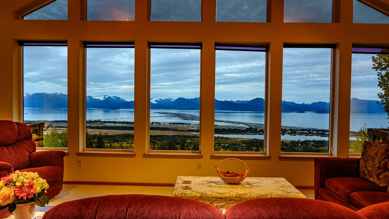 Stunning Panoramic View house for 2 - 14 people, vacation rental in Homer