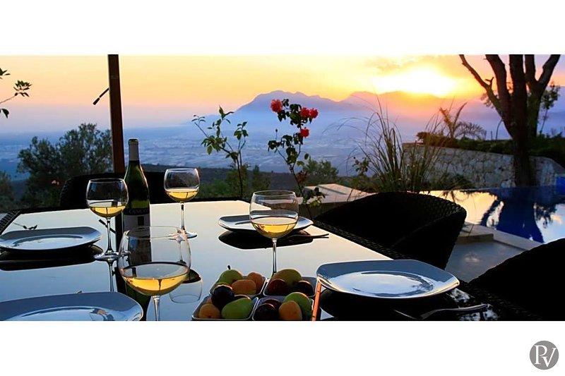 Islamlar Villa Sleeps 8 with Pool and Air Con - 5683510, holiday rental in Islamlar
