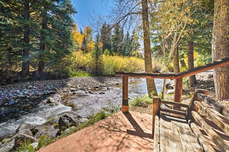 Charming Creekside Snowmass Escape: 10 Mi to Aspen, location de vacances à Snowmass Village