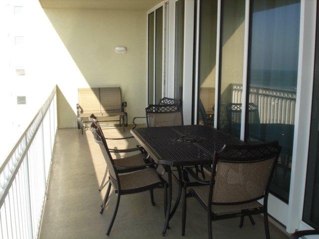 Colonnades 502-table / chaises de balcon
