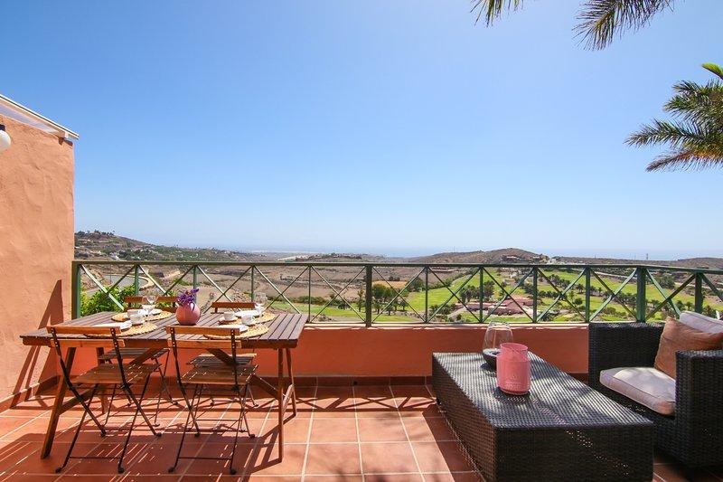 Salobre Villa, 5PAX, WIFI, POOL, GREAT VIEWS, vacation rental in El Salobre