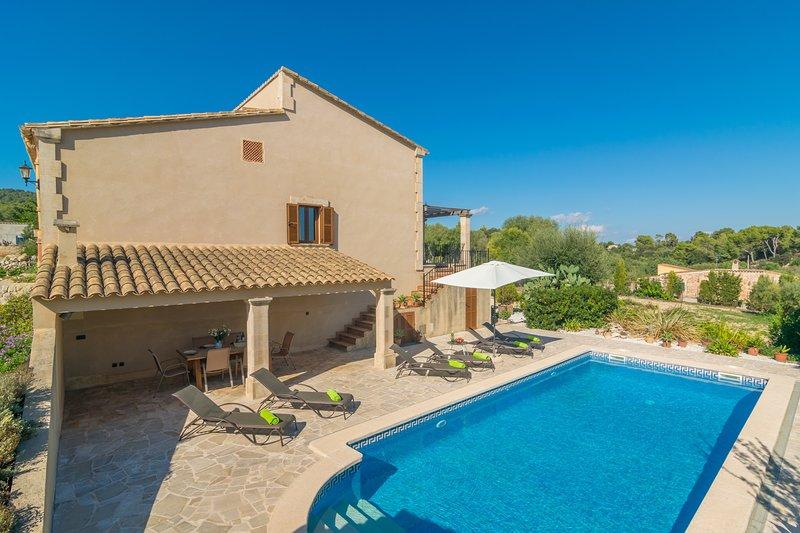 PLETA DE BONANY - Villa for 6 people in Vilafranca De Bonany, holiday rental in Vilafranca de Bonany