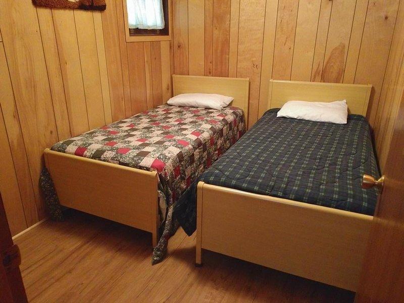 Furniture,Bed,Building,Hardwood,Indoors