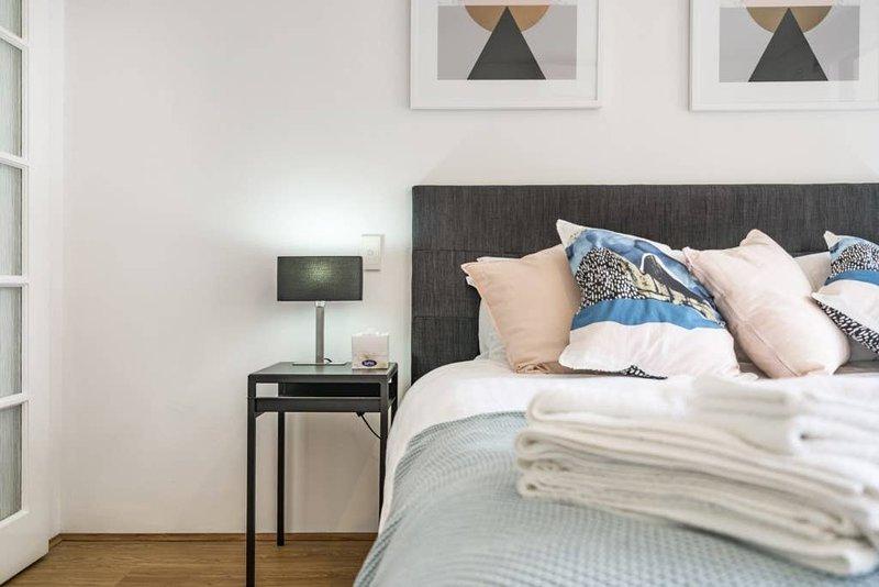 504 - Perth CBD Huge one bedroom , beautiful, aluguéis de temporada em Perth