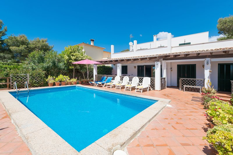 CZESC EWA - Villa for 8 people in Cala Pi, vacation rental in Cala Pi