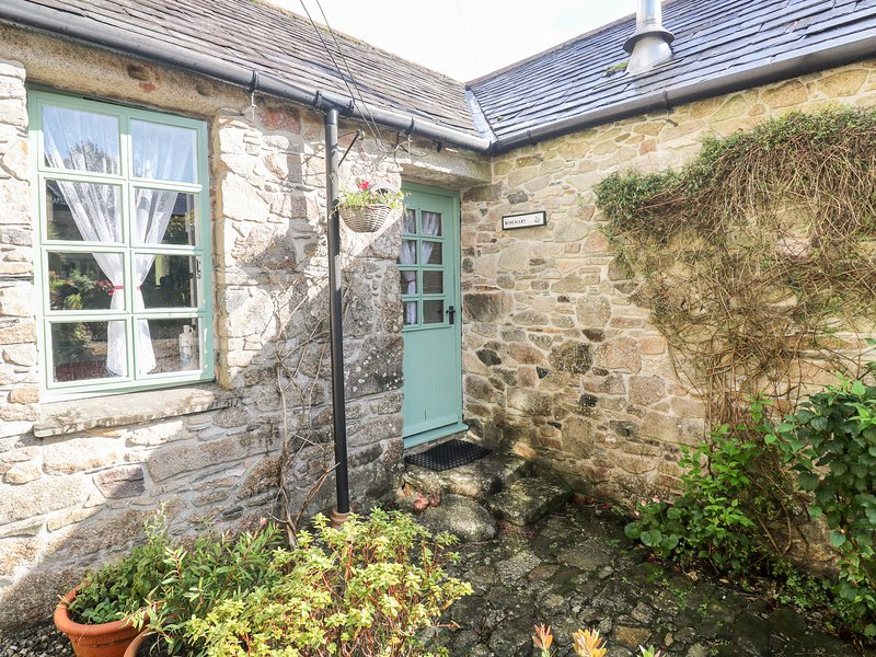 ROSEMARY COTTAGE, exposed beams, all ground floor, near Bodmin, casa vacanza a St. Neot