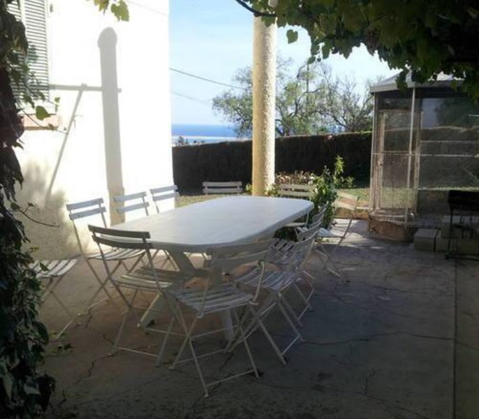 Spacious house with sea view & Wifi, holiday rental in St-Laurent du Var