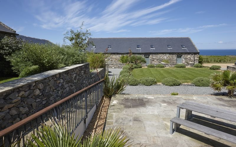 Stables 1 - The Stables 1 – A 5* 3 bedroom stone cottage configured for upside d, vacation rental in Fron