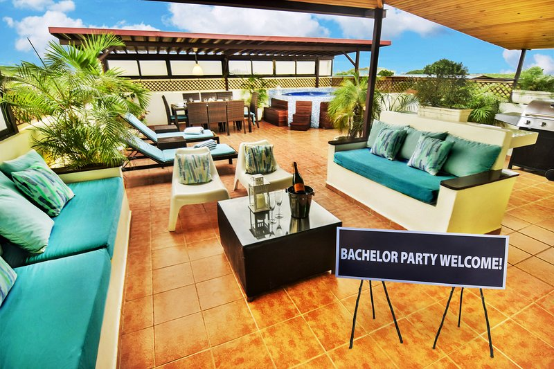 Santo Domingo Bachelor Party Luxury Triplex Penthouse PRICE MATCH, vacation rental in Santo Domingo
