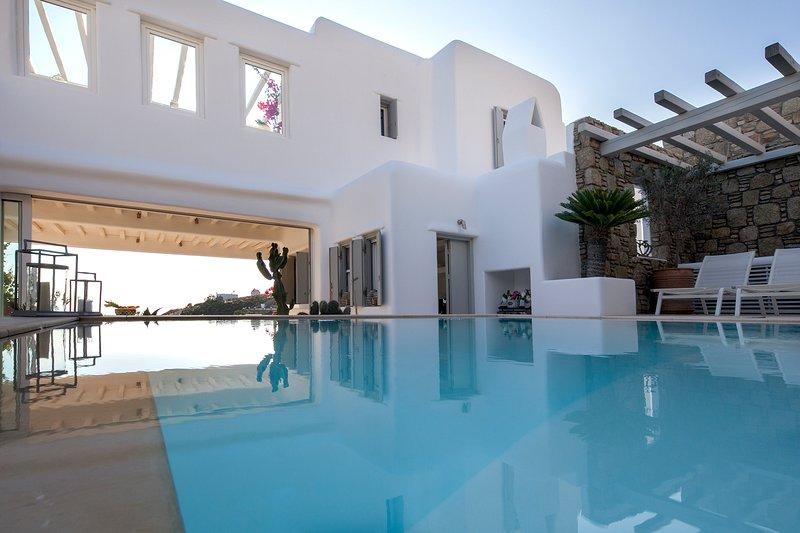 Villa Vanilla - Mykonos - Private Heated Pool, holiday rental in Faros Armenistis
