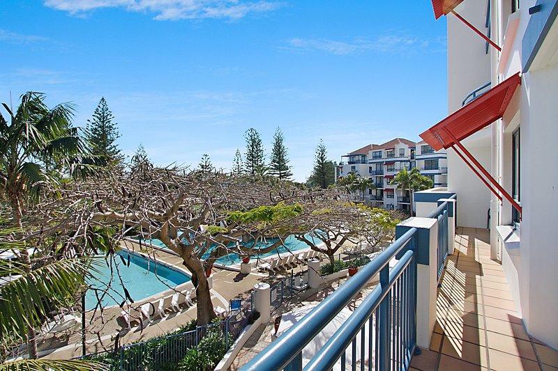 Calypso Plaza ******* - Adjoining apartments on the Coolangatta Beachfront!, vacation rental in Coolangatta