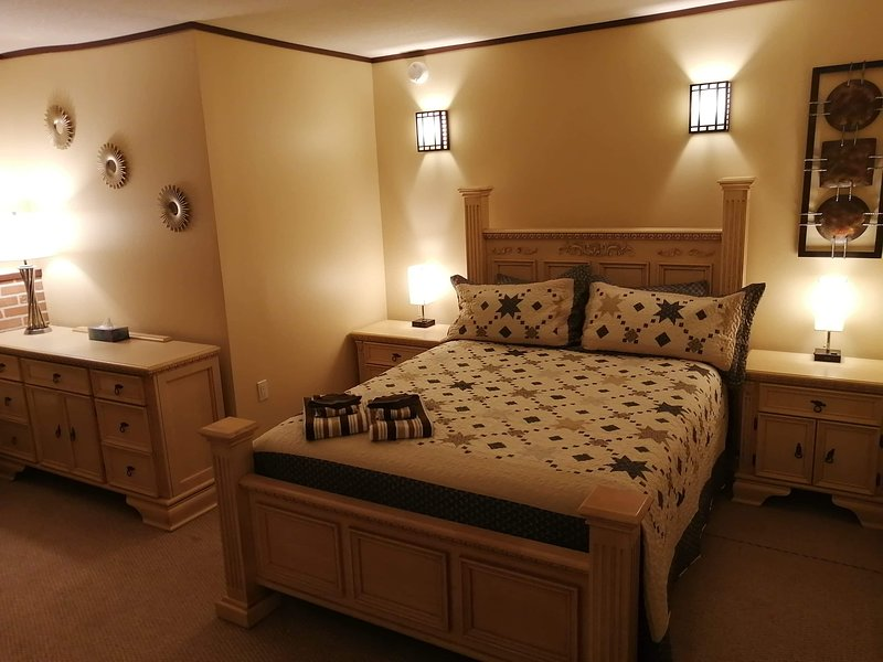 Near the beautiful Waterton Park and Lethbridge AB, holiday rental in Magrath