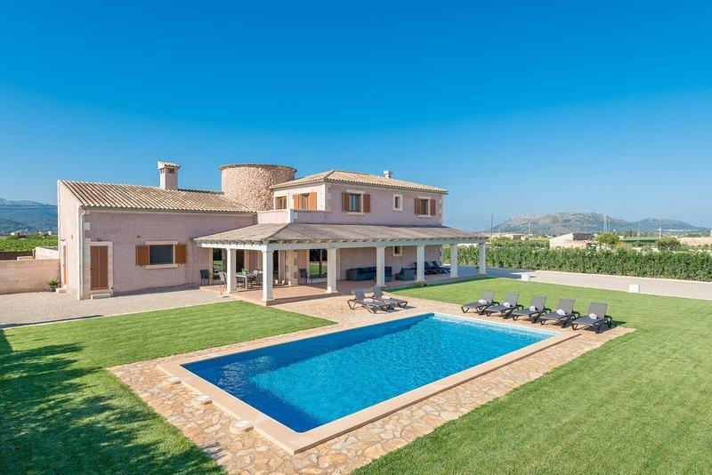 ES MOLI D'EN SION - Villa for 10 people in sa Pobla, vacation rental in Sa Pobla