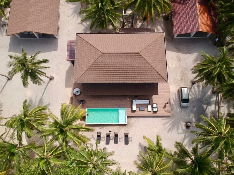 Entire Private Beach House in Alegria Beach, Siargao Island, vakantiewoning in Mindanao