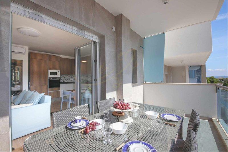 DIMORA PARADISO con veranda vista mare, holiday rental in Monopoli