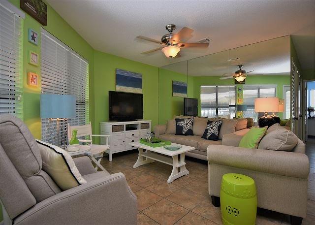 Sandpiper 12C ~ Awesome Family Beachside Retreat ~ Bender Vacation Rentals, location de vacances à Gulf Shores
