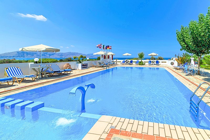 Palladion Condos Private Swimming Pool, holiday rental in Paralia Kourna