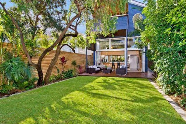 Superb Bondi Family Tropical Beach House, vacation rental in Bondi