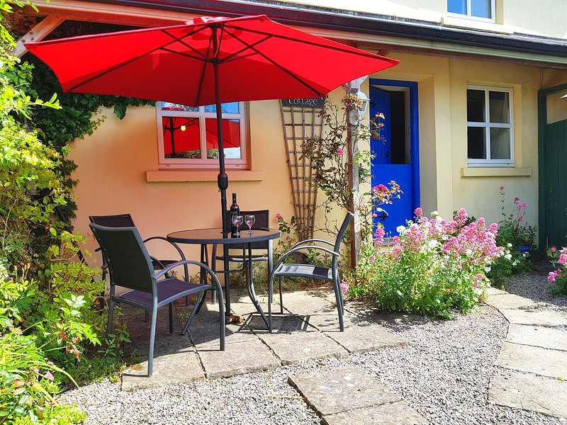 Dairy Cottage, Warren Farm. Co. Wexford... the perfect place to relax !, vacation rental in Ballilogue