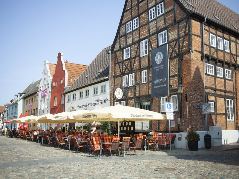 Attractive Apartment in Wismar Germany near Beach, holiday rental in Dorf Mecklenburg