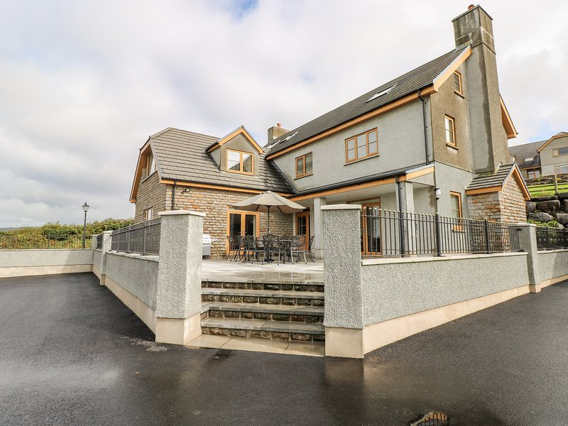 Pant y Gaseg Cottage, Ammanford, holiday rental in Tycroes