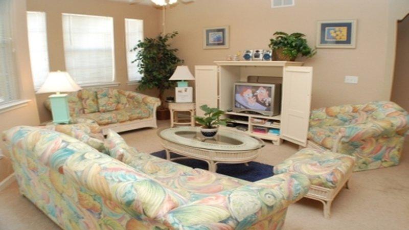 Accogliente soggiorno con bella illuminazione