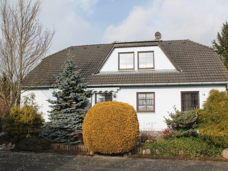 Modern Apartment in Heiligenhagen with Large Garden, holiday rental in Jurgenshagen