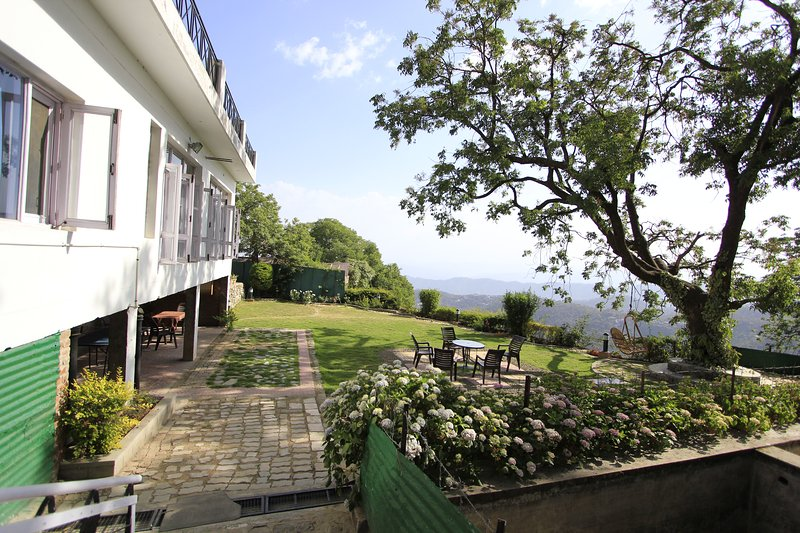Homestead Villas kasauli, vacation rental in Solan District
