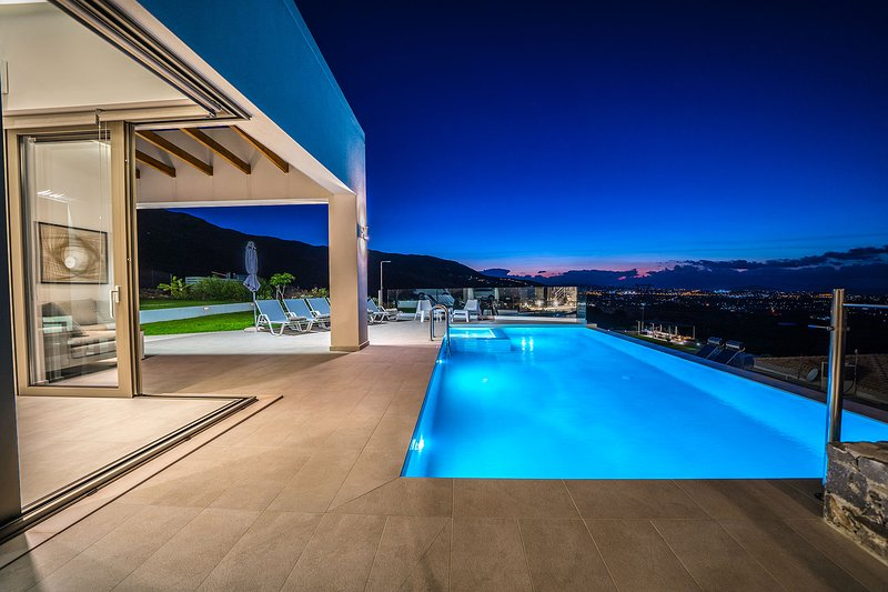 Con Vista Villa, Tsikalaria Chania, location de vacances à Malaxa