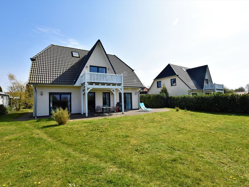 Charming Holiday Home in Bastorf Germany with Private Garden, holiday rental in Wendelstorf