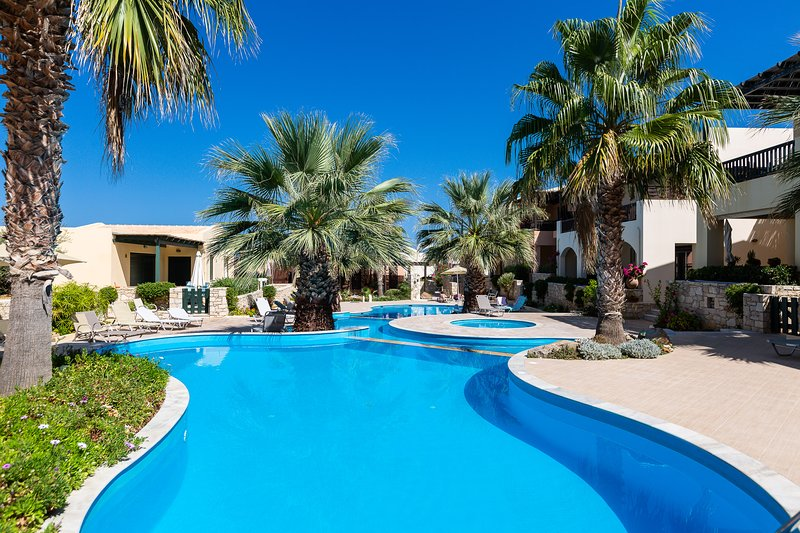Sun&Blue, Beach Apartment!, vacation rental in Rethymnon
