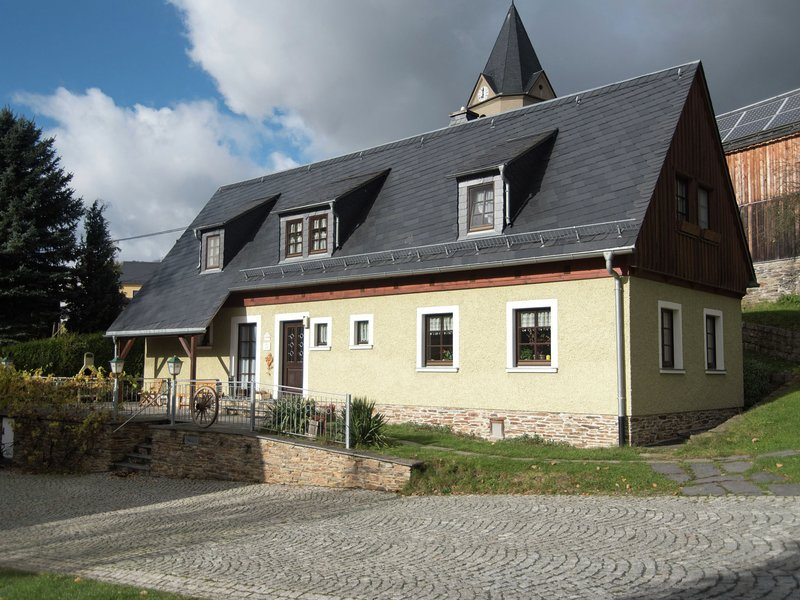 Boutique Apartment in Unterwürschnitz near Ski Area, holiday rental in Erlbach