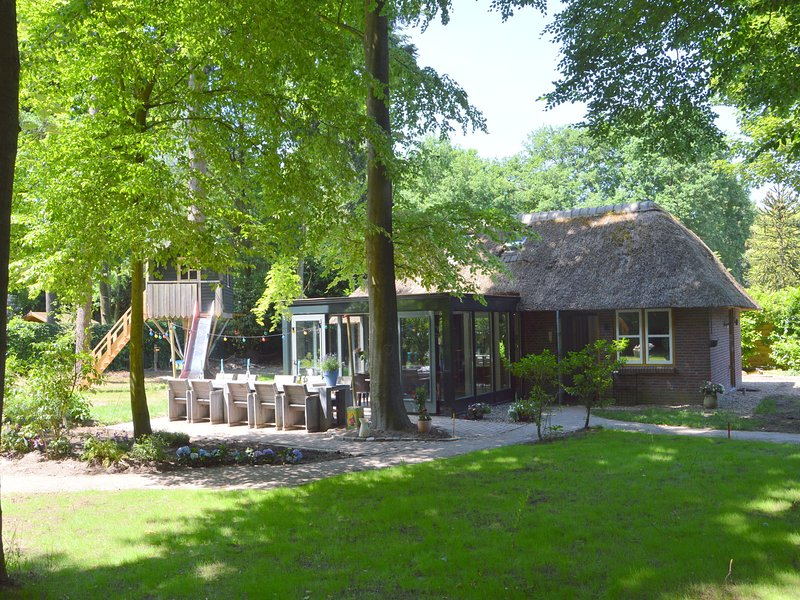 Beautiful Holiday Home In North Brabant With Sauna, holiday rental in Haghorst