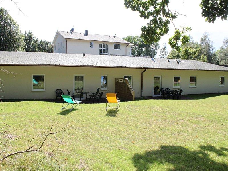 Spacious Apartment in Gohren with Garden, casa vacanza a Göhren