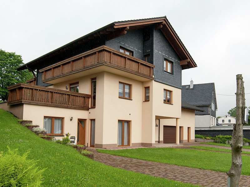 Beautiful apartment in Frauenwald at the Rennsteig in a very quiet location, holiday rental in Neustadt am Rennsteig