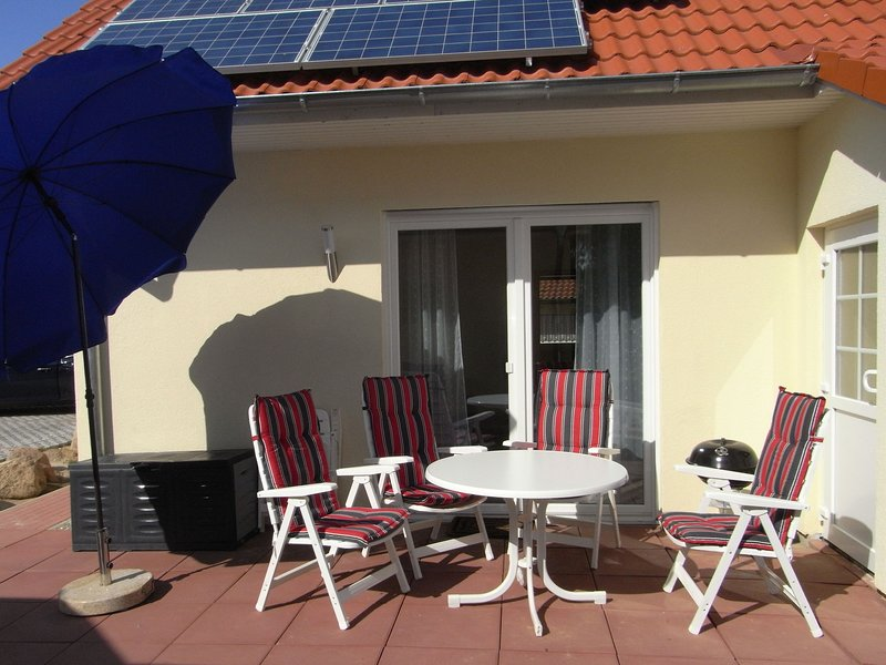 Quaint Seaside Home in Boiensdorf with Terrace, holiday rental in Nantrow
