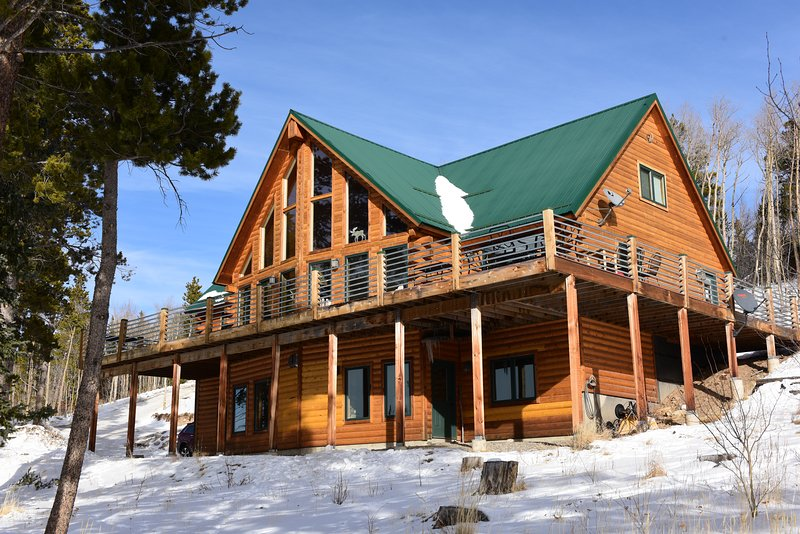Glacier Ridge is located in a secluded and heavily forested location. There are over 10 acres to explore while staying at this magnificent home.