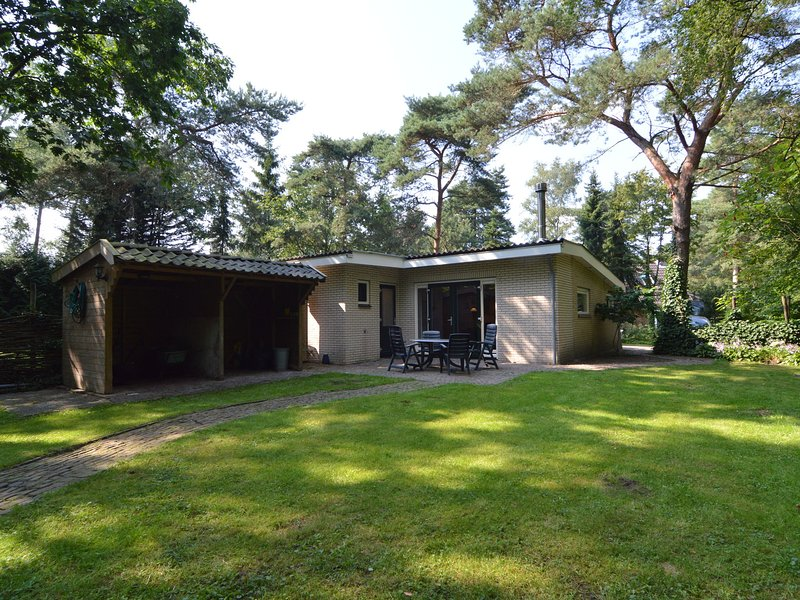 Charming Holiday Home in Guelders amid the Forest, vacation rental in Hengelo