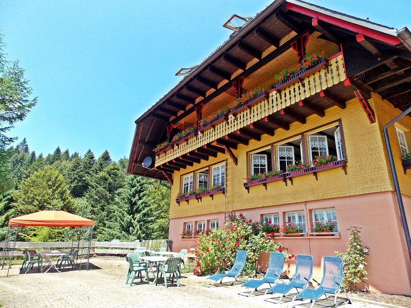 Large group house in Todtmoos in the southern Black Forest with a gorgeous view, holiday rental in Herrischried