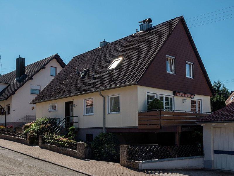 Cosy apartment near the historic city centre of Haslach, aluguéis de temporada em Oberharmersbach