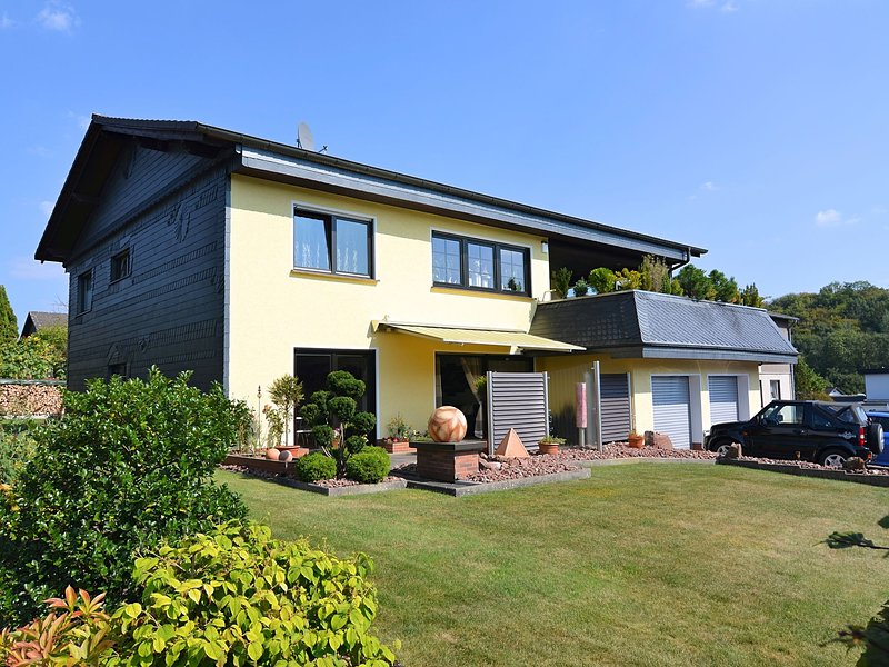Spacious Apartment near Ski Area in Meschede Germany, vacation rental in Meschede