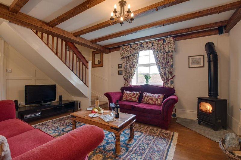 Brock Cottage. DOG FRIENDLY* with Private HOT TUB, holiday rental in Pickering