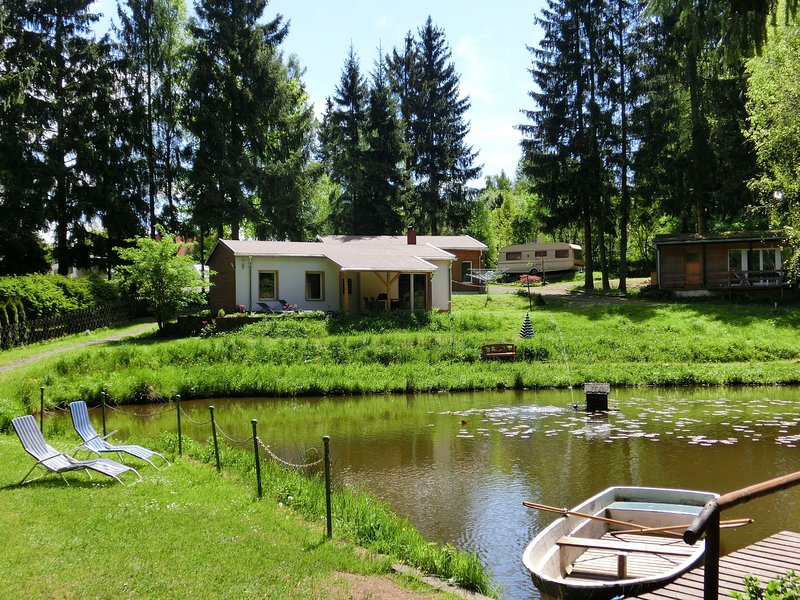 Cosy Holiday Home in Thuringia with Sauna, holiday rental in Georgenthal