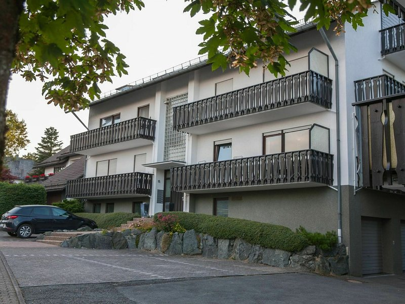 Luxury holiday home in Winterberg with balcony and garage, casa vacanza a Silbach
