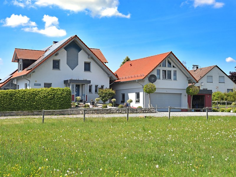 Holiday apartment in the northern nature park Kellerwald-Edersee with separate e, holiday rental in Vohl