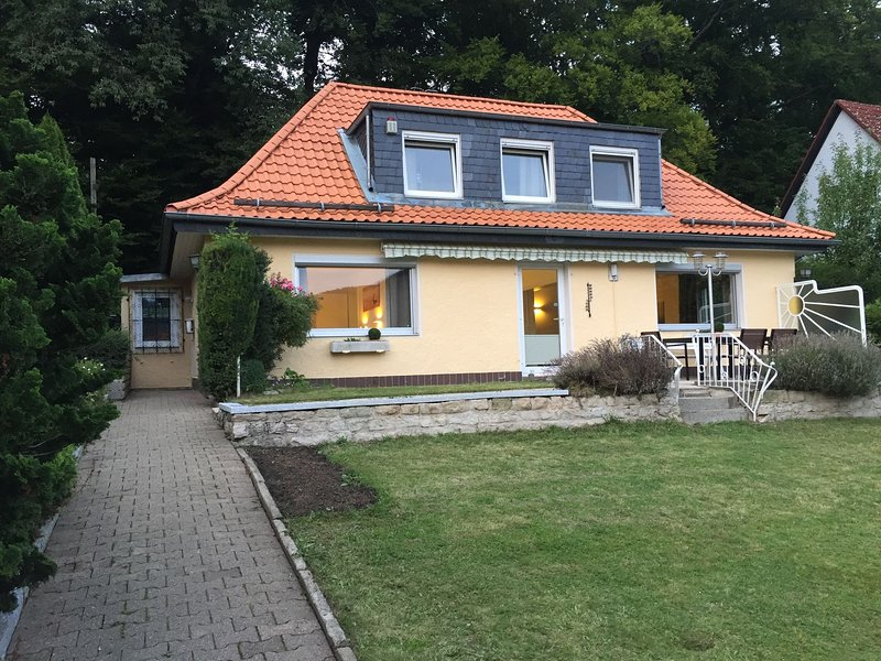 Detached holiday home in Bad Harzburg with sun terrace and a lovely garden, holiday rental in Veltheim